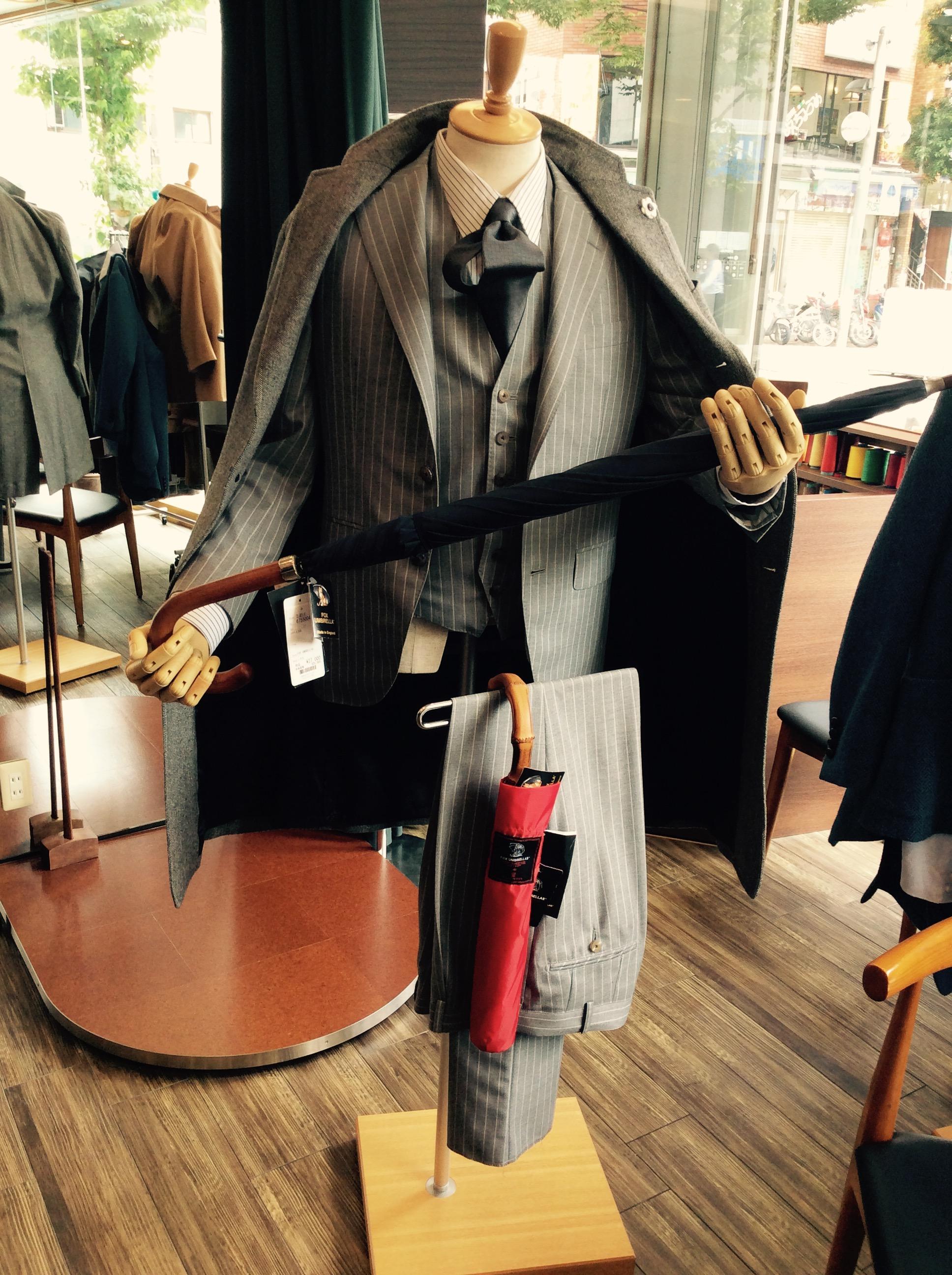世界で最も有名な老舗傘ブランドのFOX UMBRELLAS(フォックスアンブレラ)の傘とは