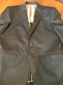 ドーメルの生地を使って横浜オーダースーツナガサカでスーツをオーダーした場合【オーダー事例】