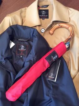 春の突然の雨に備えて、撥水機能付きのスプリングコートを!