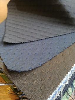イタリアの高級ジャケットブランドので使われるような生地でオーダーできます。