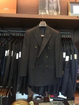 ピエール カルダン(Pierre Cardin )のダブルのジャケットのリフォーム