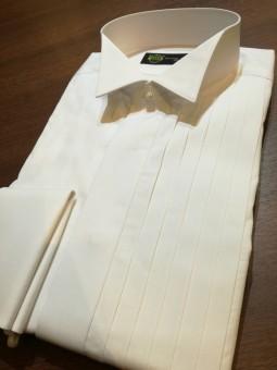 横浜オーダースーツのナガサカでタキシード用のシャツがオーダーできるのはご存知でしたか?