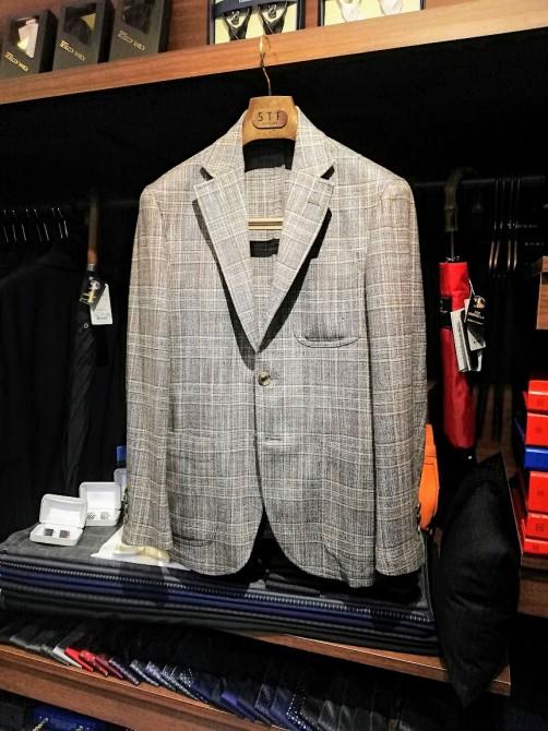 ゼニアの上質な素材を活かした一枚仕立てのジャケット