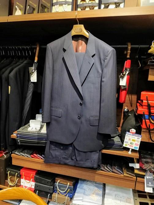 国産服地で仕立てたスーツのオーダー事例のご紹介です。¥46,000+税