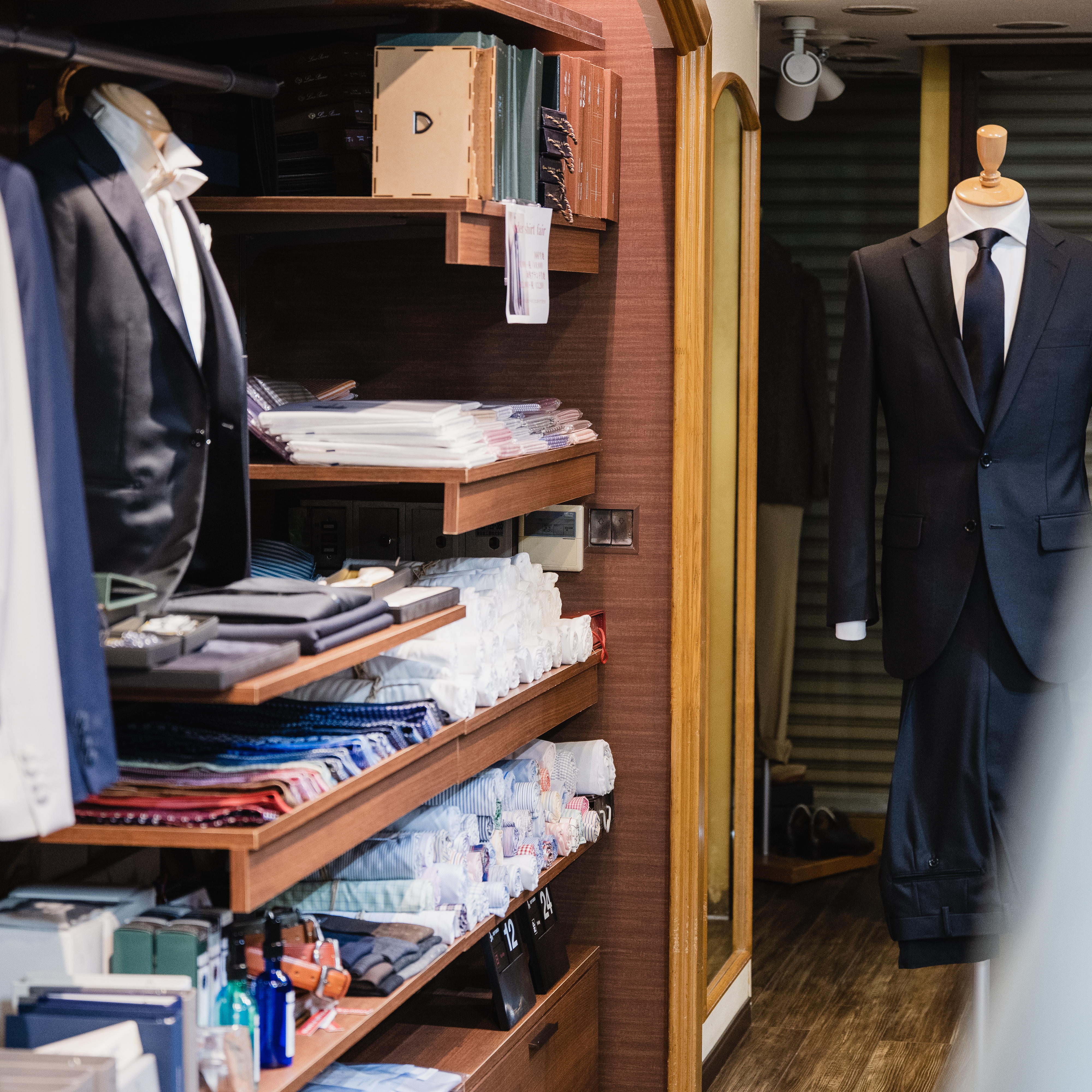 神奈川県で冠婚葬祭用(ブラックフォーマル)のスーツのオーダーは当店で!